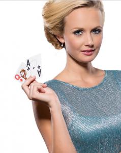 Vrouw met kaarten